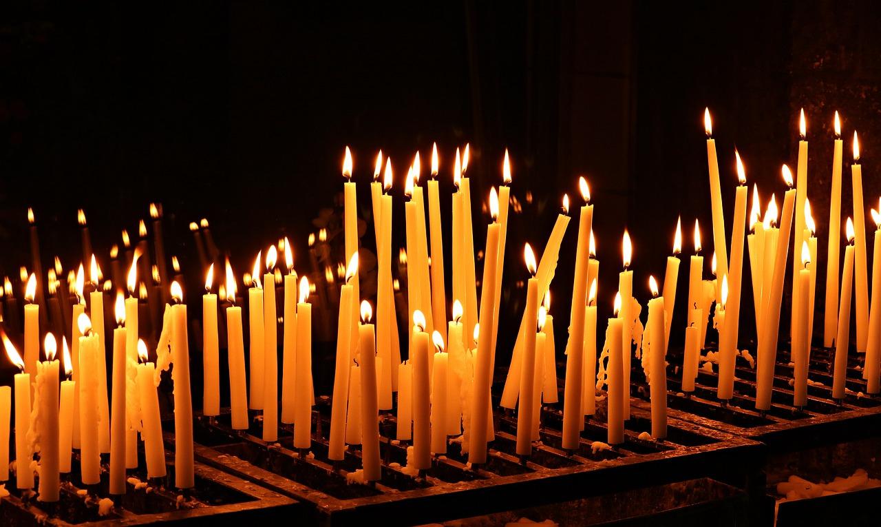 organiser la cérémonie d'enterrement